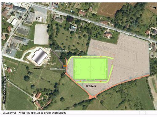 Réalisation d'un terrain de football en gazon synthétique – Bellenave  (03)