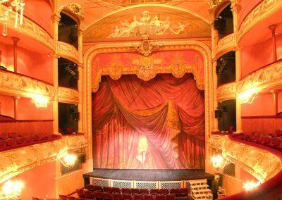 le_puy_en_velay_theatre_04_1200px