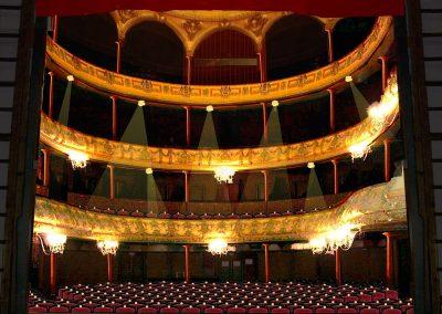 le_puy_en_velay_theatre_05_1200px