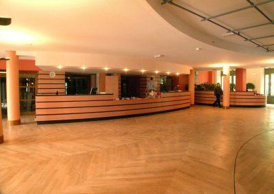 le_puy_en_velay_theatre_09_1200px
